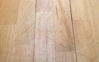 Como evitar arranhões no piso de madeira