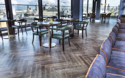 Qual o melhor piso para ambientes comerciais?